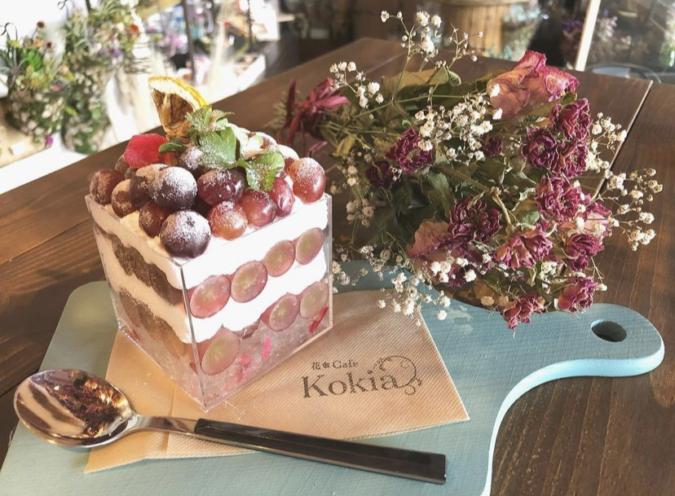 花カフェKOKIA(コキア) ブドウのハコパフェ