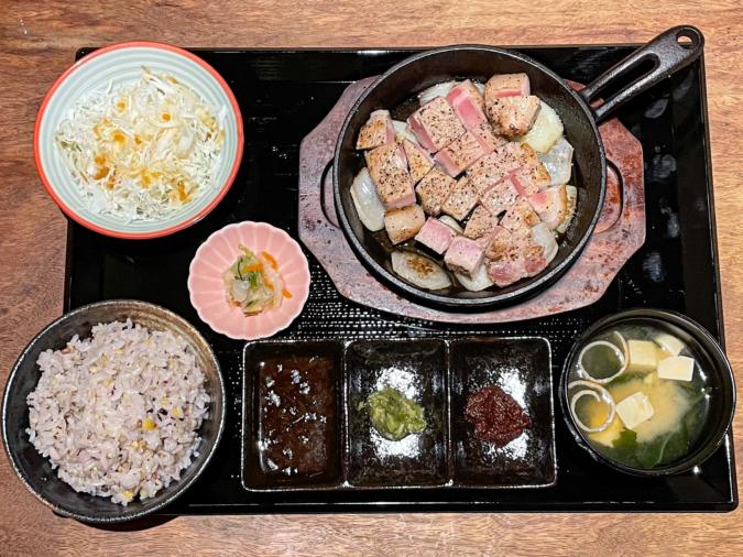 ぶた肉専門 豚や 豚ステーキ定食