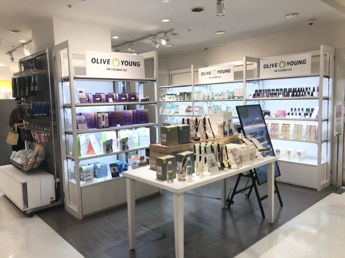 「OLIVE YOUNG PB COSMETICS」店内