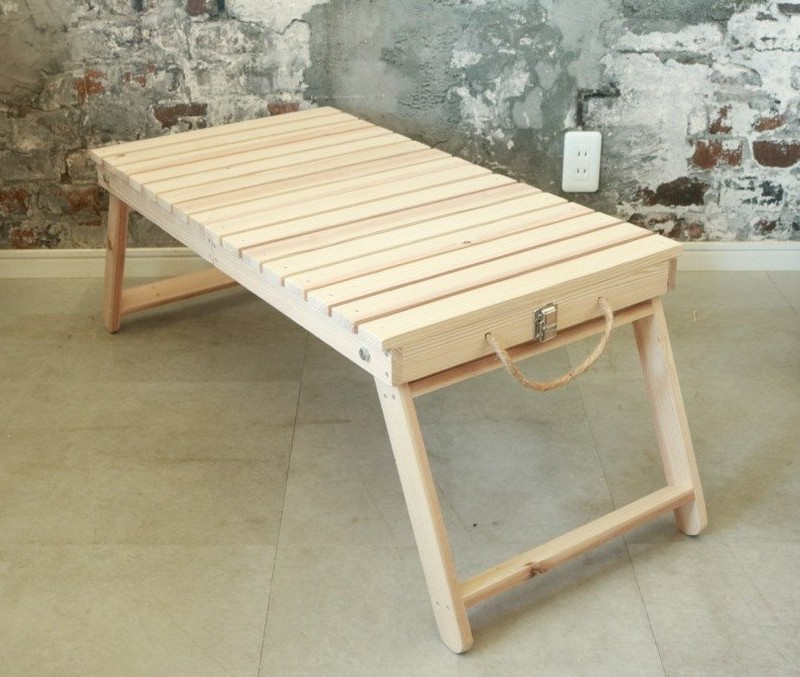 折りたたみテーブル完成品