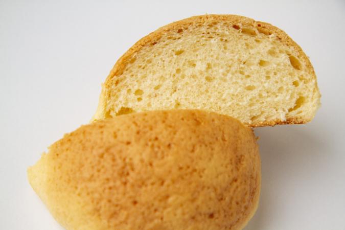 「パンとお菓子のアトリエ IKURI(イクリ)」よつばバターのメロンパン