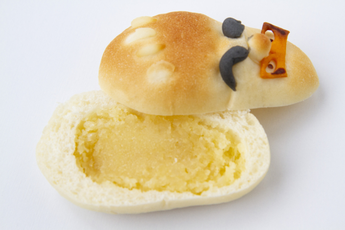 ぺったんのパン「だるま」を割ってみると…