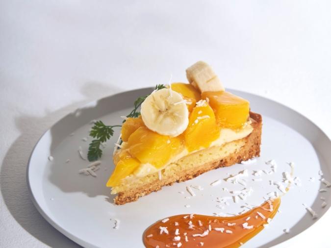 ビブリオテーク「マンゴーとバナナのアーモンドクリームタルト」