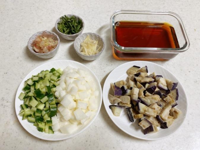 夏野菜のめんつゆ漬け 材料