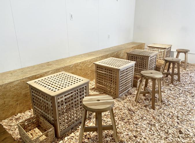 『cafe+82』ボックステーブルの席