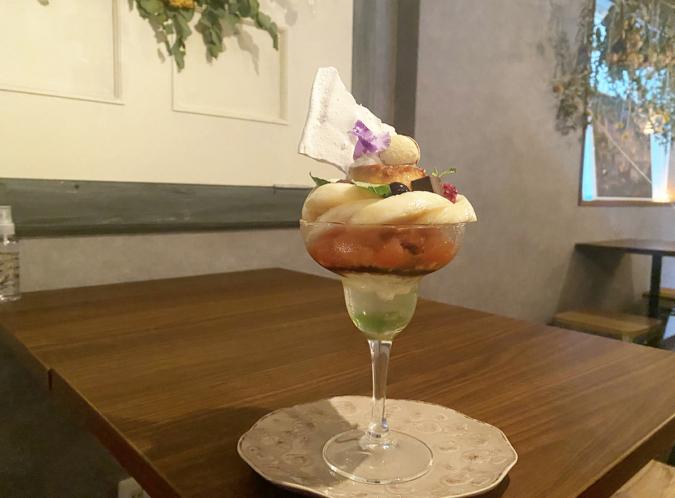 EGOTO(えごと)季節のフルーツ プリンパフェ