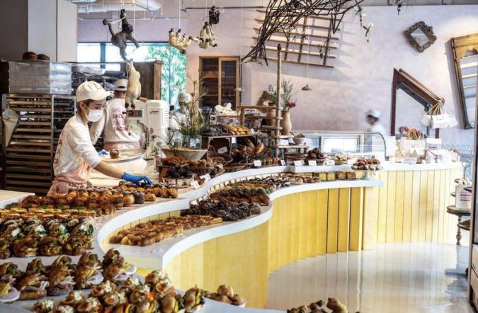 DACOMECCA(ダコメッカ) オープンキッチンのベーカリー