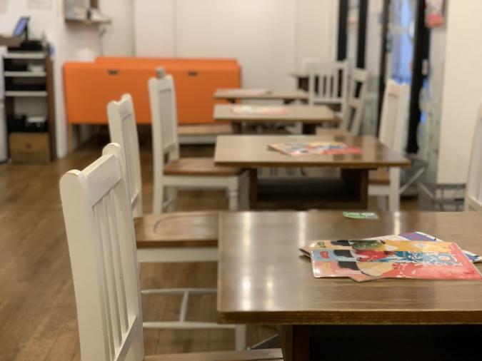 カフェ「ベツバラ。」店内
