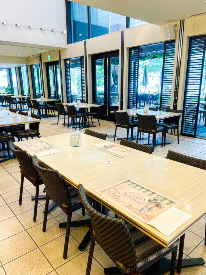 ALL DAY DINING Crowne Cafe 店内
