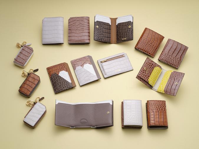 クロコ風レザーの上品ミニ財布