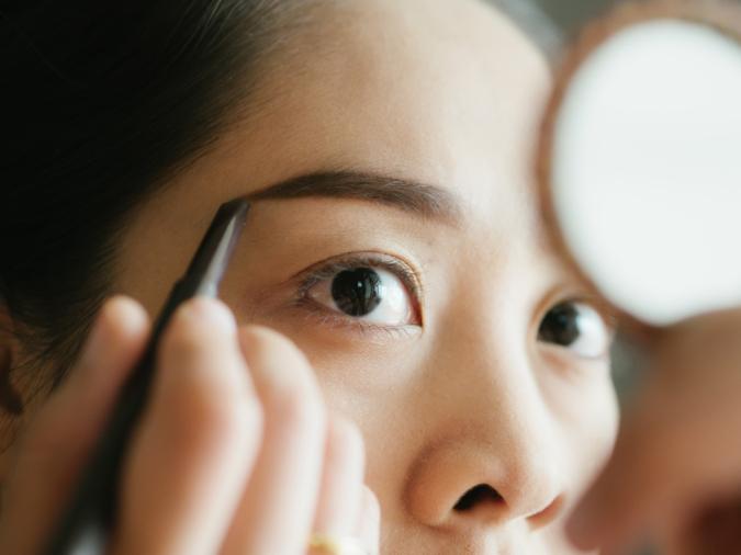 まばらで上手く色がのらない…を解決!薄い眉をナチュラルな美人眉にするコツ