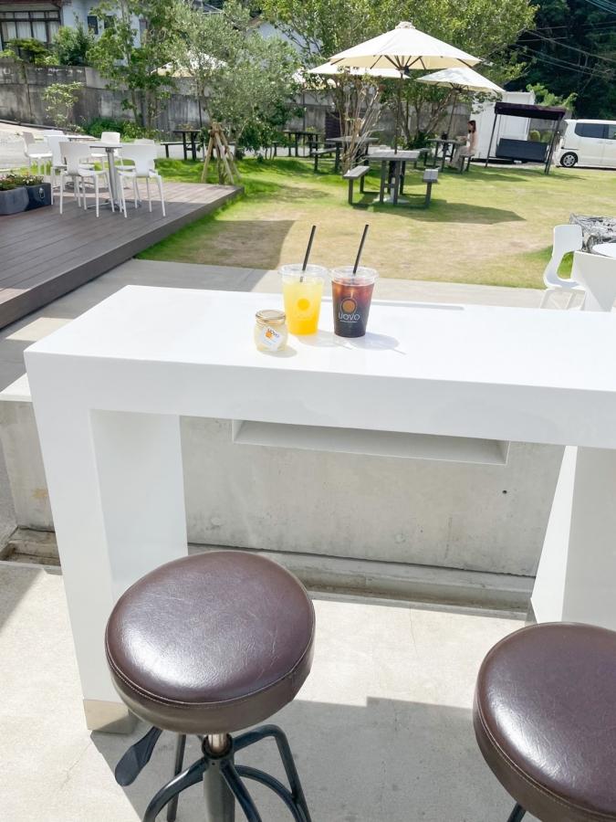糸島ファームハウスUOVO(ウォーヴォ) テラスのカウンター席