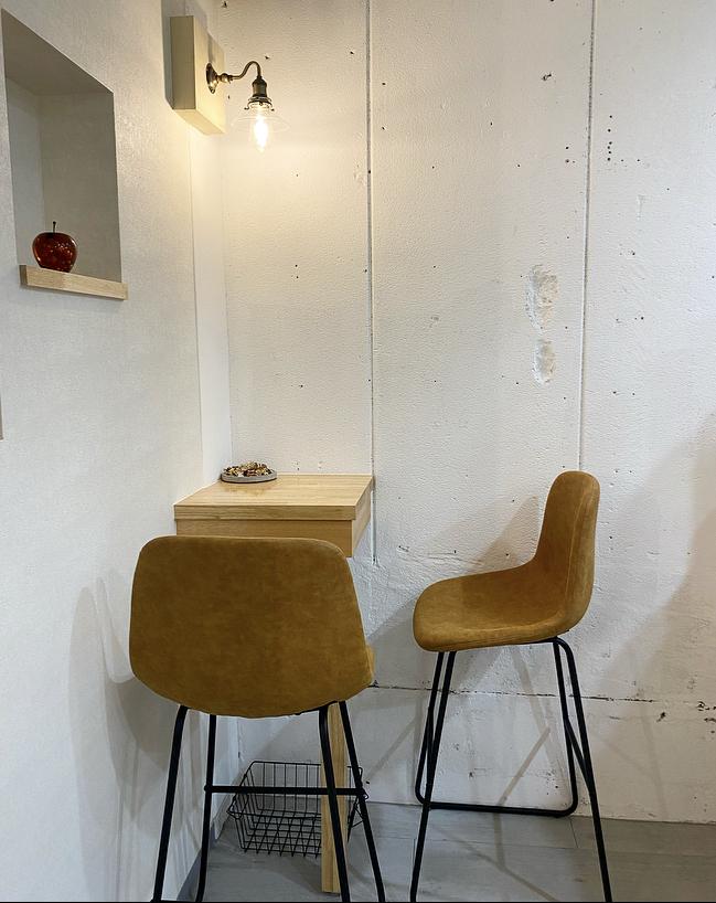 Lunadoraco(ルナドラコ) 2人掛けの席