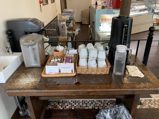 『ル・サントーレ久留米店』セルフのお冷&コーヒー