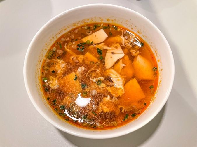 「チャコグリ」骨付きカルビセットの韓国風スープ