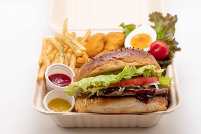 糸島ファームハウスUOVO(ウォーヴォ)ハンバーガー