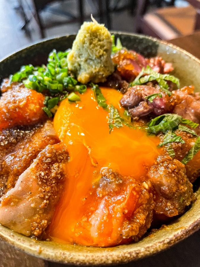 CAFE&DININGBAR BRUNO(ブルーノ)夢叶え丼(リブロースステーキ+サーモン)