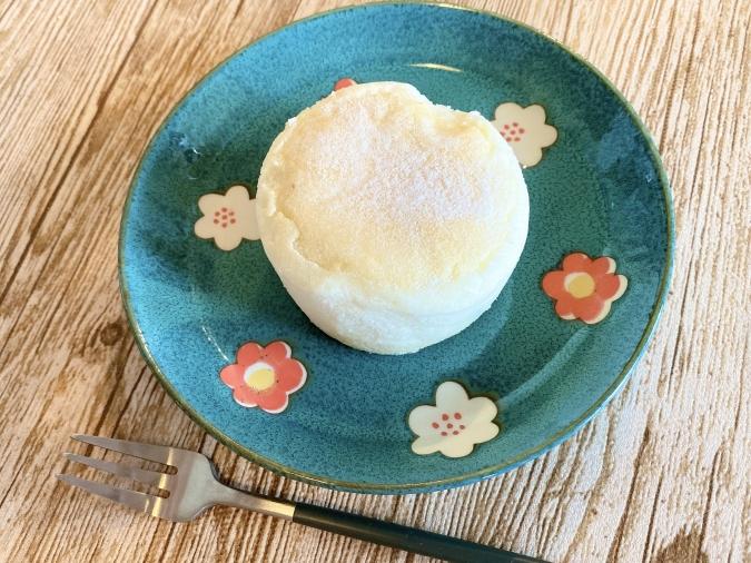 ローソン「白いスフレチーズケーキ」