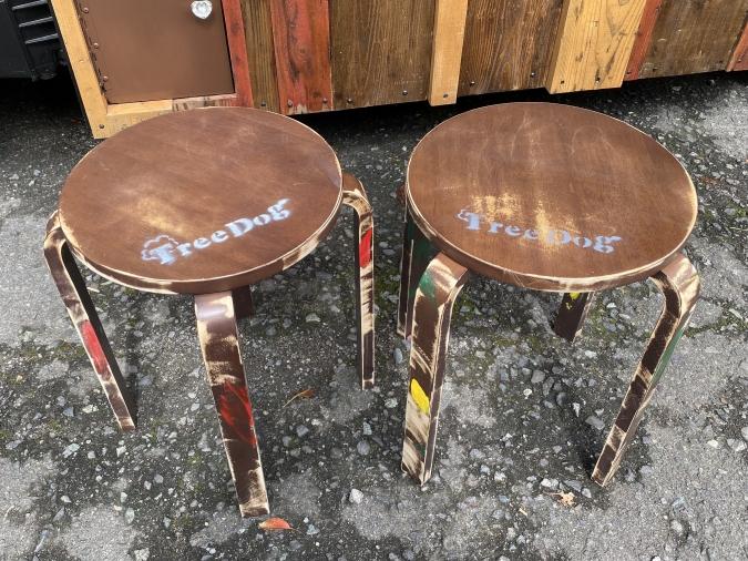 フードトラック「TREE DOG(ツリードッグ)」椅子