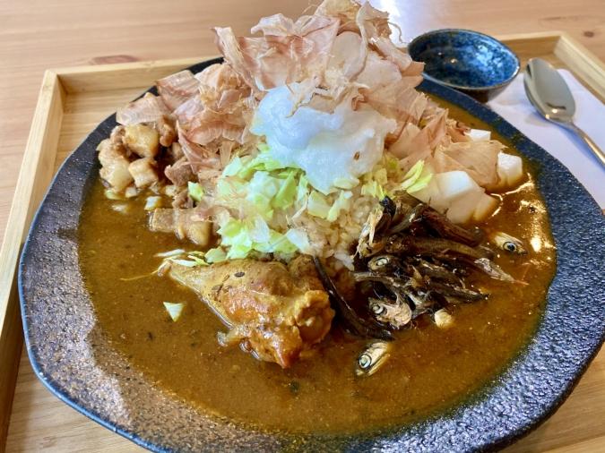 kuebaissyo(くえばいっしょ) 2種合いがけ(にぼチキン・ルーロー飯)