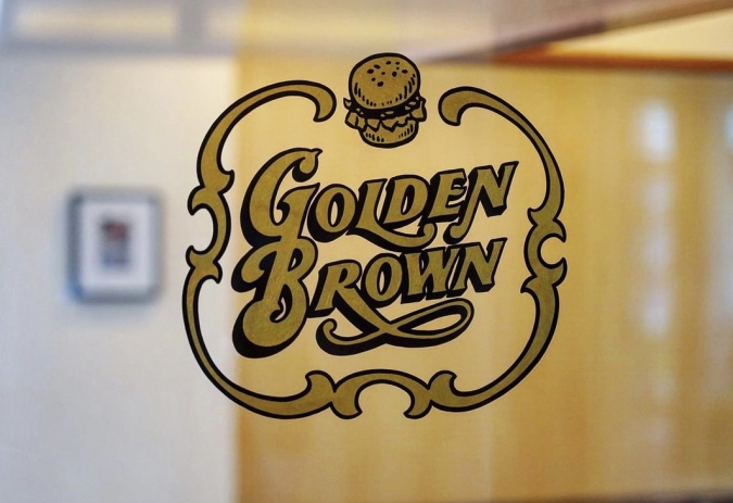 GOLDEN BROWNロゴ