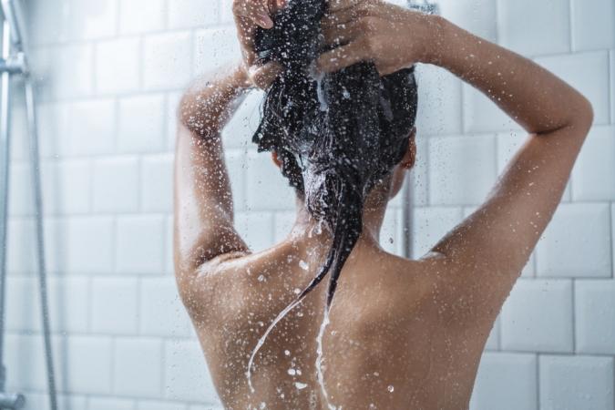 少しぬるいくらいがちょうどいい!シャワーの適正温度