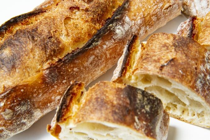 bakery ZOU(ベーカリー・ゾウ) 石挽き手ごね長熟バゲット