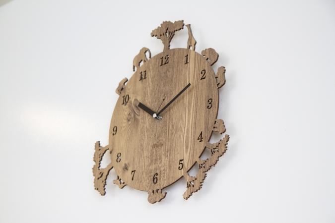 bakery ZOU(ベーカリー・ゾウ) 店内の時計