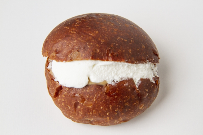 bakery ZOU(ベーカリー・ゾウ) ほうじ茶クリームパン