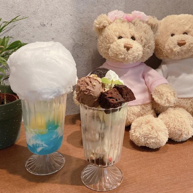 『Oak cafe(オークカフェ)』パフェ2種