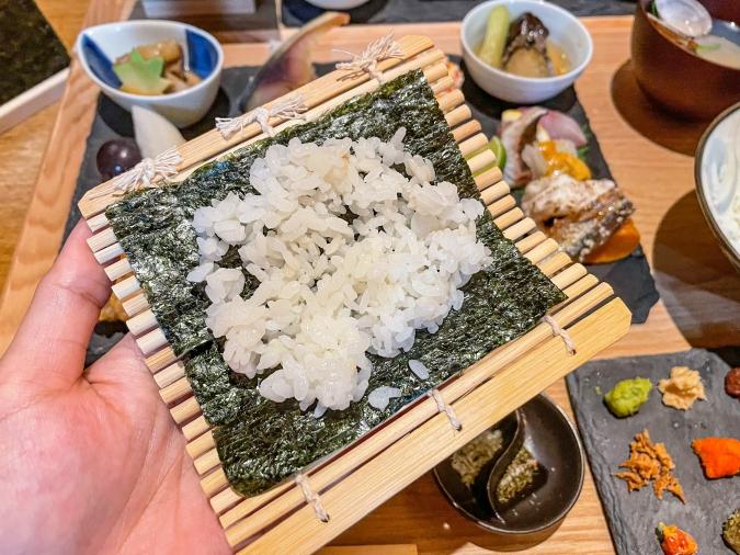 『炉ばた 髙』炙り手織り寿司・手巻き寿司工程①