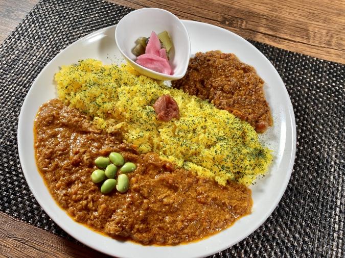 『curry&cafe 茶話(さわ)』欲張りダブル