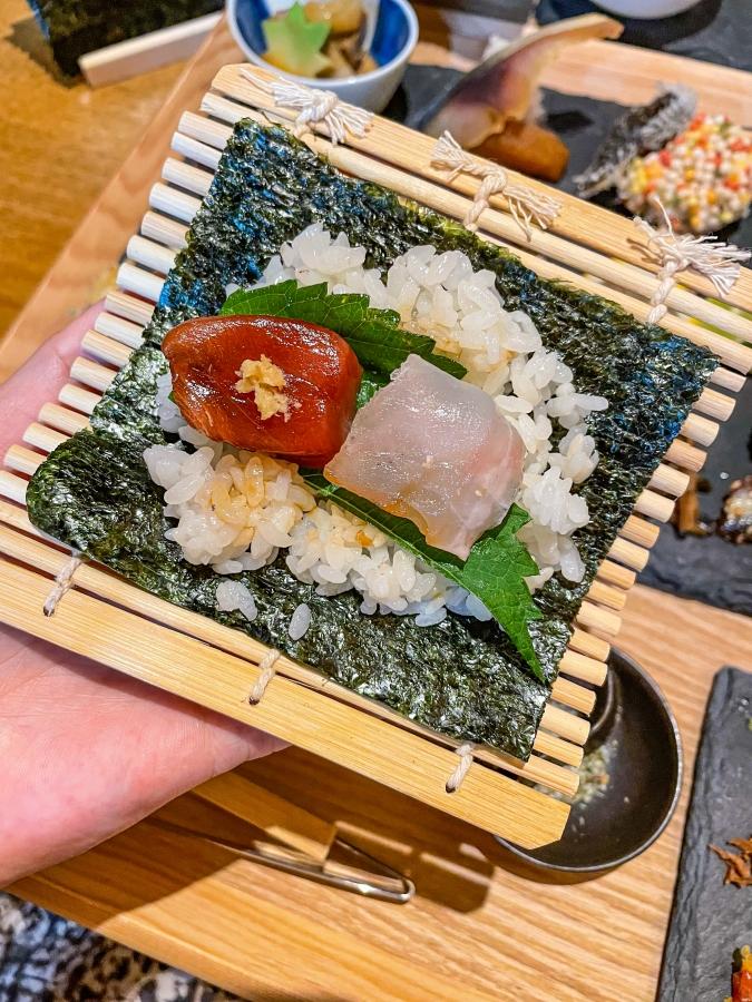 『炉ばた 髙』炙り手織り寿司・手巻き寿司(大葉)