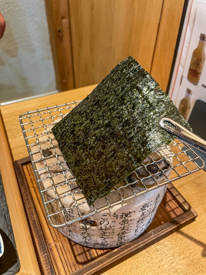 『炉ばた 髙』炙り手織り寿司・七輪で海苔炙り画像