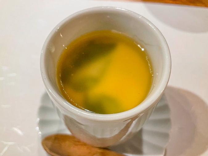 「熾火や 魚二(おきびやうおに)」ランチのサービス茶碗蒸し(全体)