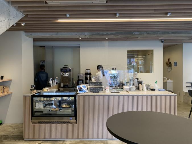 カフェ『FUK COFFEE(R)parks』店内