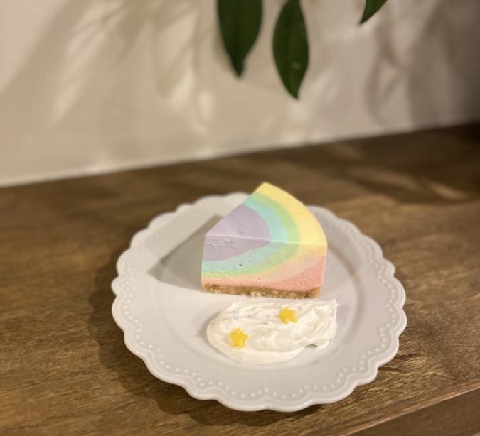 『Oak cafe(オークカフェ)』レインボーレアチーズケーキ