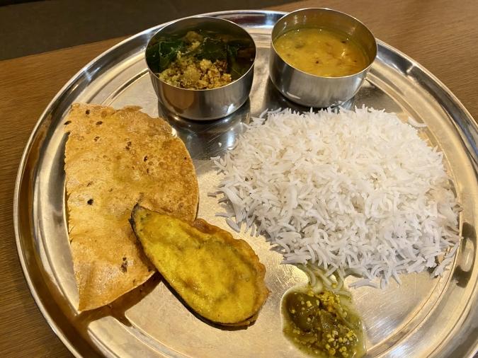 INDIAN SPICE FACTORY(インディアンスパイスファクトリー) 東インド/ベンガリーランチ(ナマズのスープカレー)