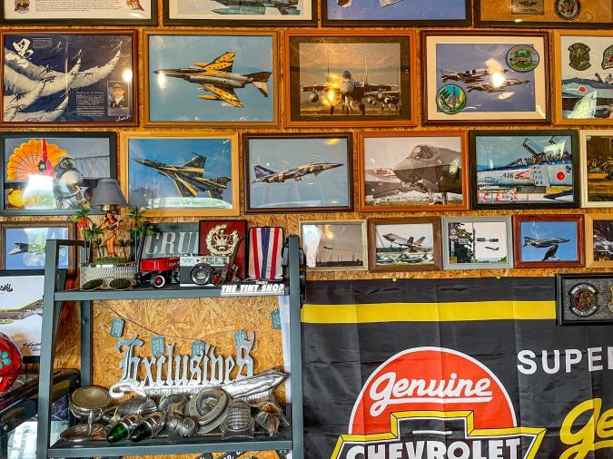 THUNDERBIRD InadouBunker(サンダーバード イナドウバンカー) 壁の航空機写真
