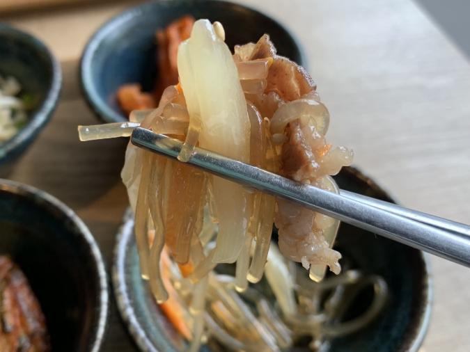 オッパ家 チーズキムチポックンパ定食の小鉢)(チャプチェ)