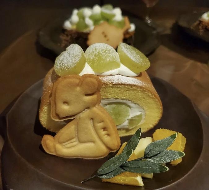 UNI(ゆに)シャインマスカットのシフォンロールケーキ