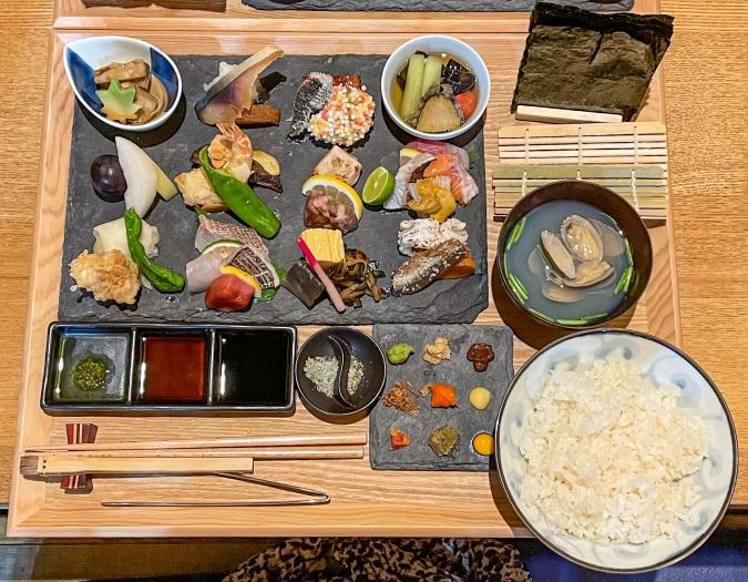 『炉ばた 髙』炙り手織り寿司全体画像①