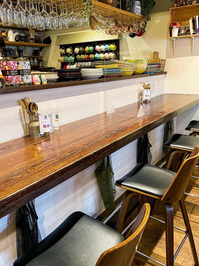 Okada Dining&Cafe Sweets HAKATA(オカダダイニング&カフェスイーツハカタ) 店内・カウンター席