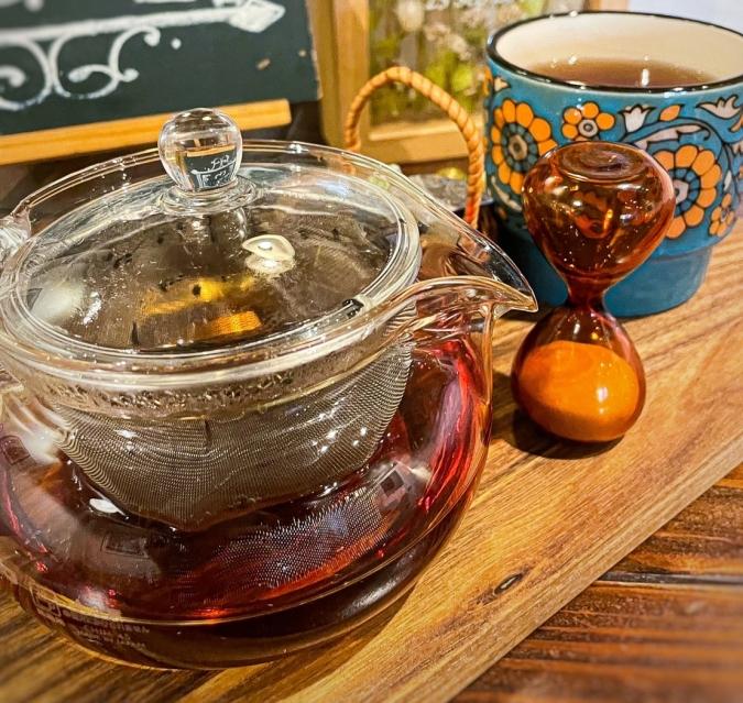 Okada Dining&Cafe Sweets HAKATA(オカダダイニング&カフェスイーツハカタ) 和紅茶