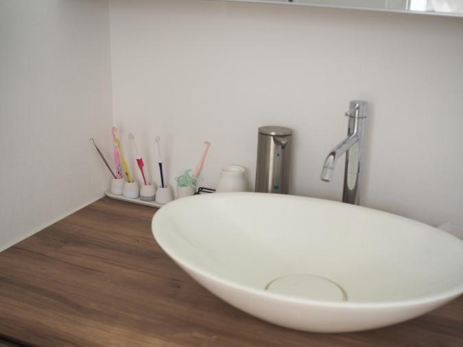 歯を磨きながらついでに洗面台の拭き掃除
