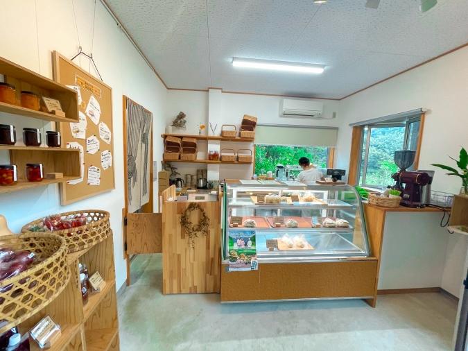 『森のカフェ 緑の詩〜みどりのおと〜』店内