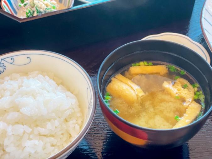 とうふ家 酒瀬川(さかせがわ) 豆腐ハンバーグ御膳(ご飯と味噌汁)
