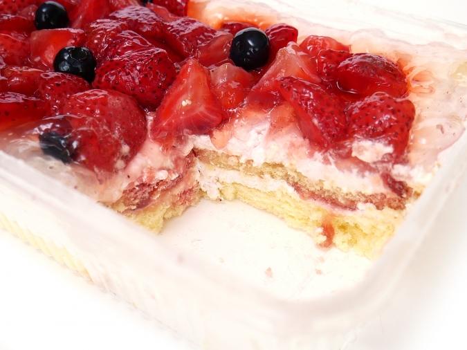 ダブルストロベリーケーキ
