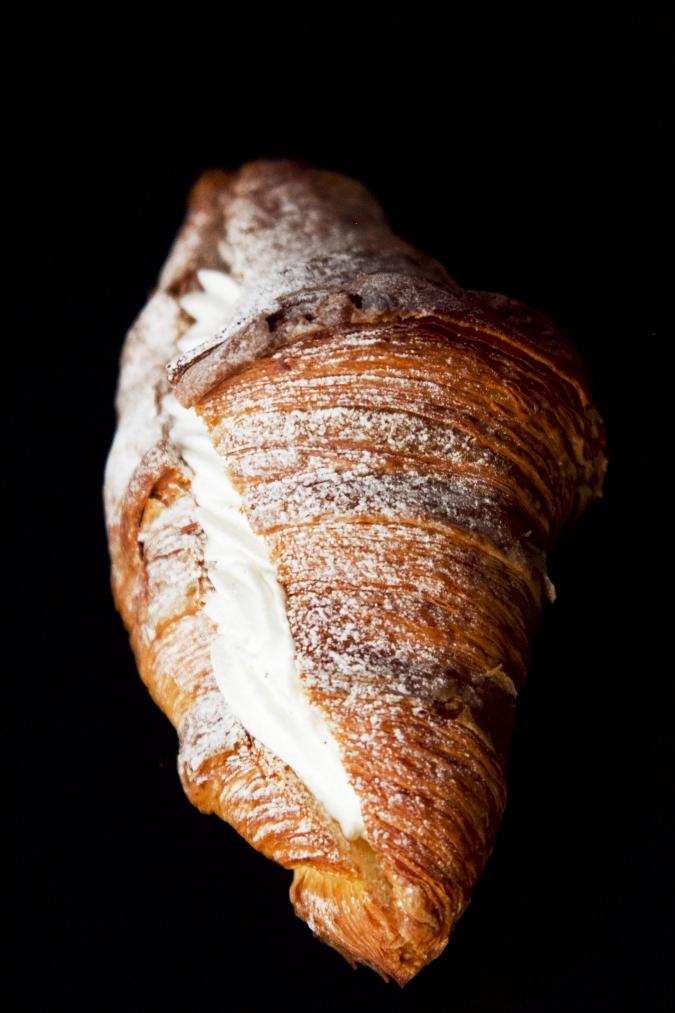 Boulangerie Doux Fleurs(ブーランジェリー・ドゥー・フルール)クロワッサン・アラクレーム