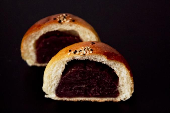 Boulangerie Doux Fleurs(ブーランジェリー・ドゥー・フルール)北海道大納言粒あんパン